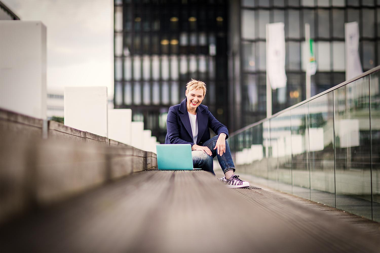 Ulrike Zecher begleitet dich von der Idee bis fertigen Webseite.